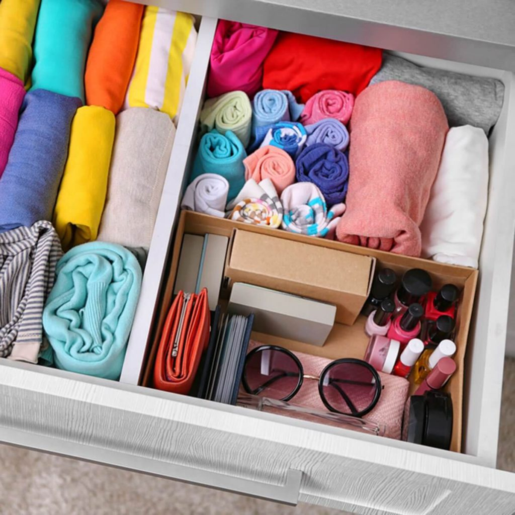 drawers to store small accessories