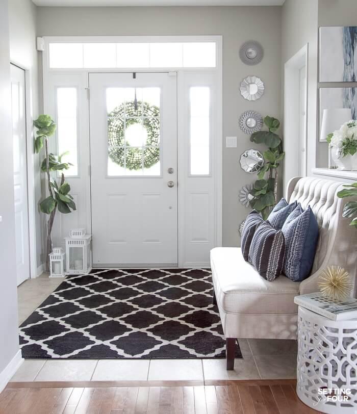 summer entryway decor